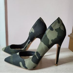Shoe Dazzle Camo Heels